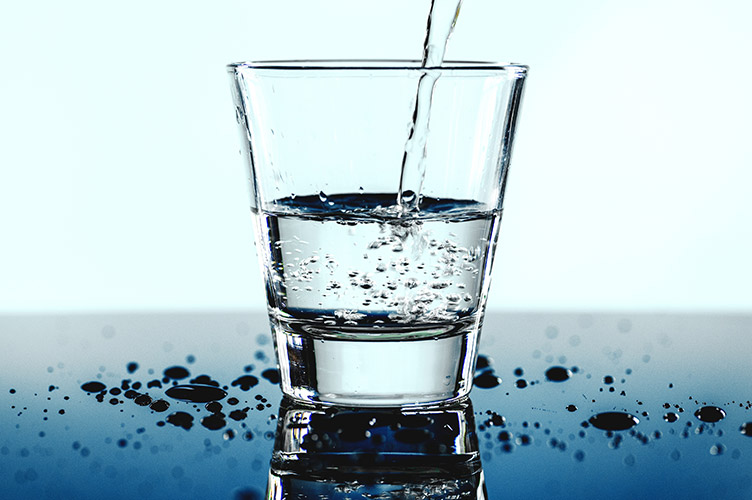 WATER CONTAINS <br>NO SUGAR